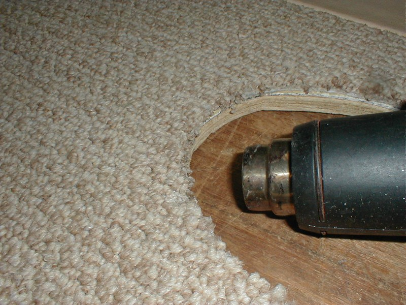 De Fuzzing And De Fraying Cut Carpet Edges