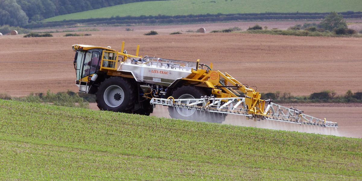 Food authority EFSA gives extra boost to pesticide treadmill