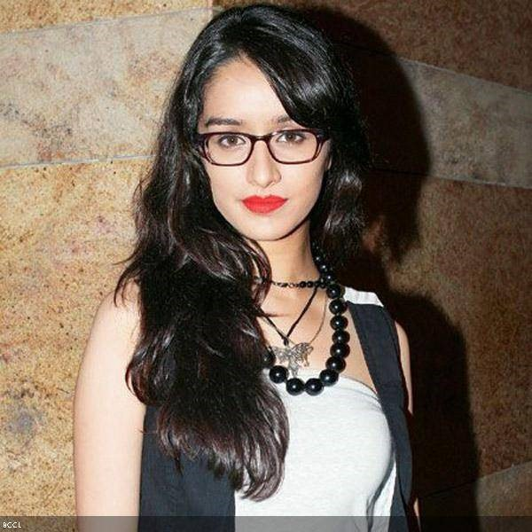 Red Indian Girl Wallpaper Specs Appeal Bollywood Actresses Flaunting Geeky Glasses