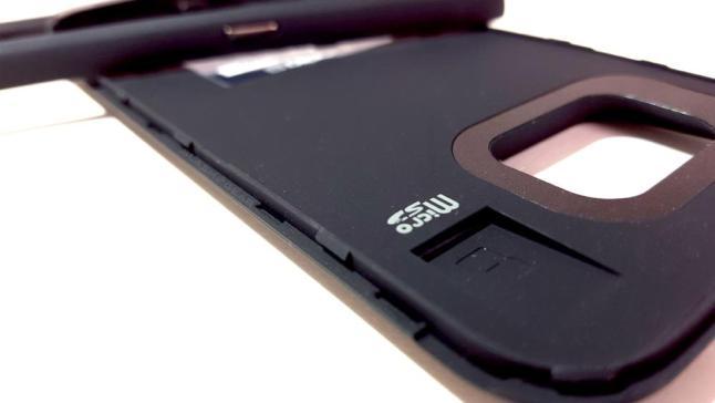 MicroSD wird zwischen Case und Galaxy S6 eingeklemmt