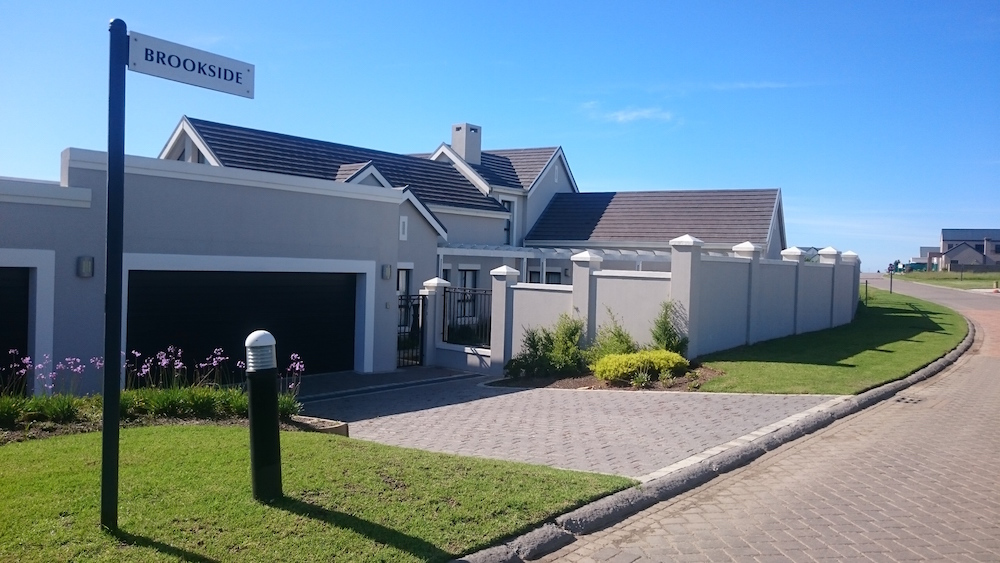 Small family home at Kingswood golf estate