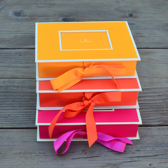 Locker Hooked Photo Box with Texture-Color Crazy Craft Recipe