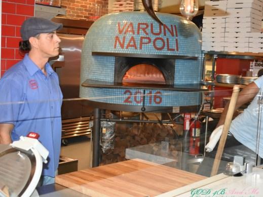Varuni-Napoli-Oven