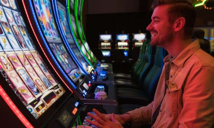 Max Bet on Slot Machines Golden Acorn Casino