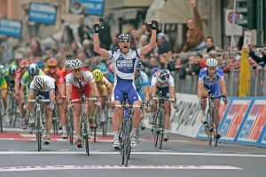 Alessandro Petacchi gewann hier im Jahr 2005 - Foto: Julius Kusuma (Wikimedia Commons) CC-BY-SA