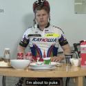 Norwegischer Reporter testet die 8.000 Kalorien Tour de France Diät
