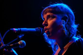 Review: tUnE yArDs at the Button Factory