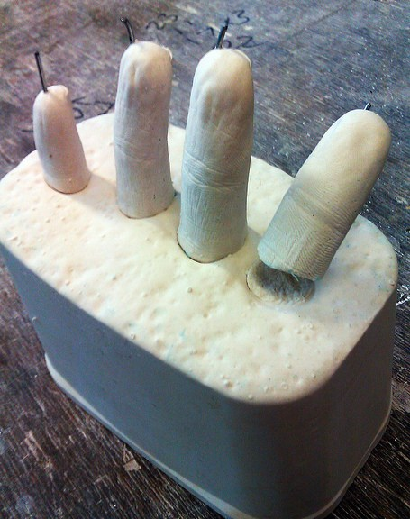 Alginate / Plaster / Wire fingers