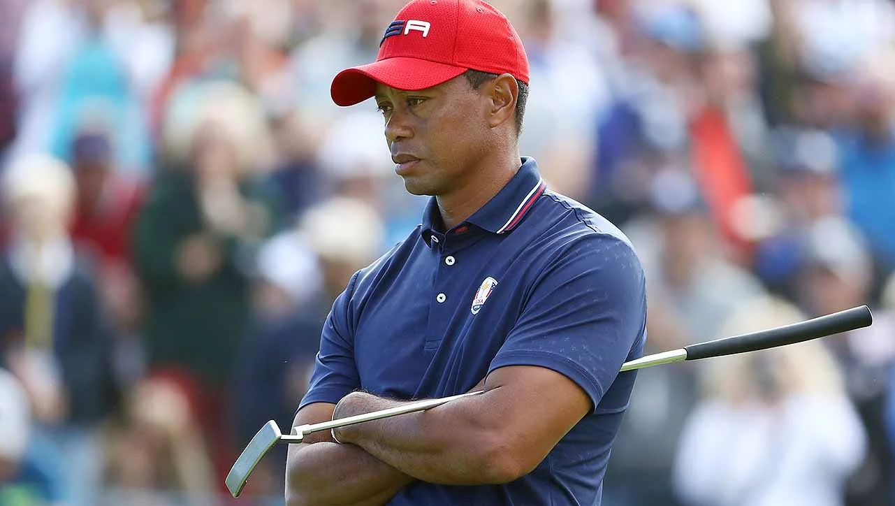 tiger woods golf today what time sunday
