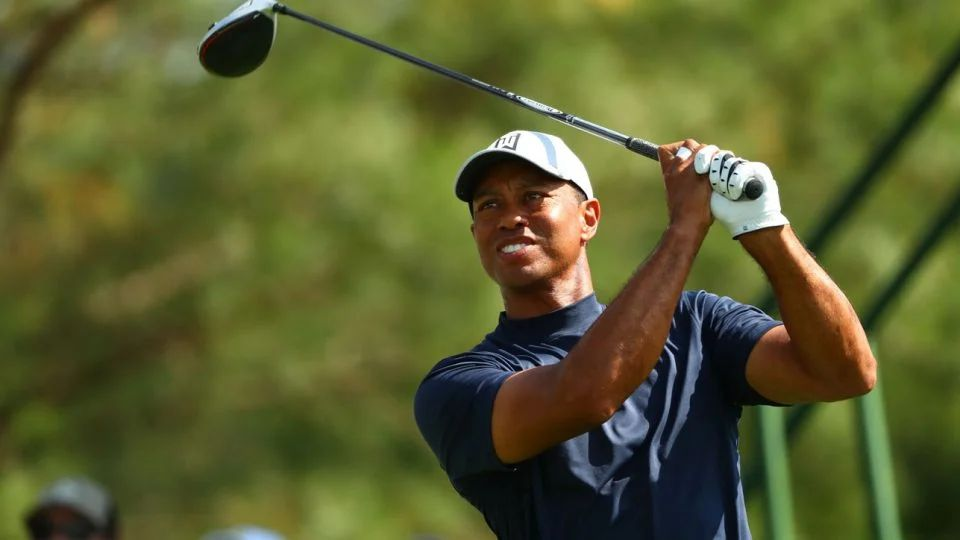 tiger woods tee time saturday round 3