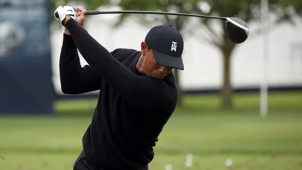 tiger woods tee time friday morning