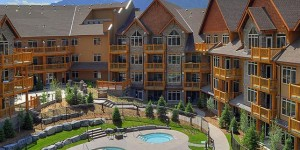 StoneRidge_Mountain_Resort_Courtyard