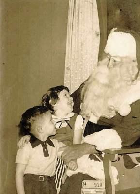 D.H. Holmes' Santa Claus