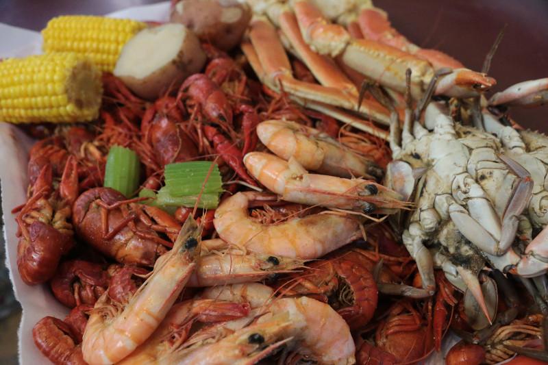 Celebrating seafood where to find fresh louisiana seafood for La fish market