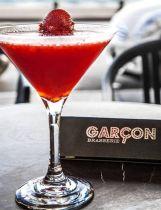 Δροσιστικά Καλοκαιρινά Cocktail Nights με Θέα τον Θερμαϊκό & Υπέροχες Μουσικές Επιλογές, στο πιο Hot σημείο της πόλης, στο Αγαπημένο και Φημισμένο Garçon Brasserie , στην Λεωφόρο Νίκης! Απολαύστε μόλις με 8,5 ευρώ Δύο (2) Cocktails (1 Cocktail κατ άτομο), με Ξεχωριστές Προτάσεις από τους Bartenders του Garçon Brasserie, (Spicy Margarita, Sweet Deligth, The Mediterranean Punch, Homemade Sangria, κ.α.) και σχετικά Συνοδευτικά… και κάντε την κάθε καλοκαιρινή σας Έξοδο...Μοναδική!