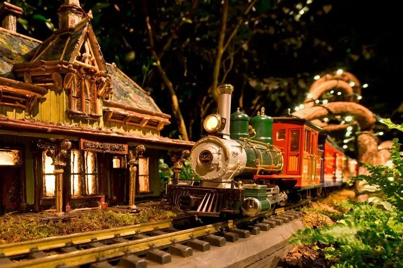 125th anniversary of the new york botanical garden holiday Botanical garden train show