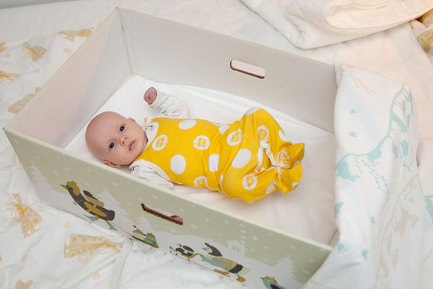 Why Do Finnish Babies Sleep In Cardboard Boxes Goodnet
