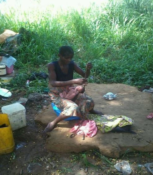 Mad-woman-gave-birth-in-Ghana