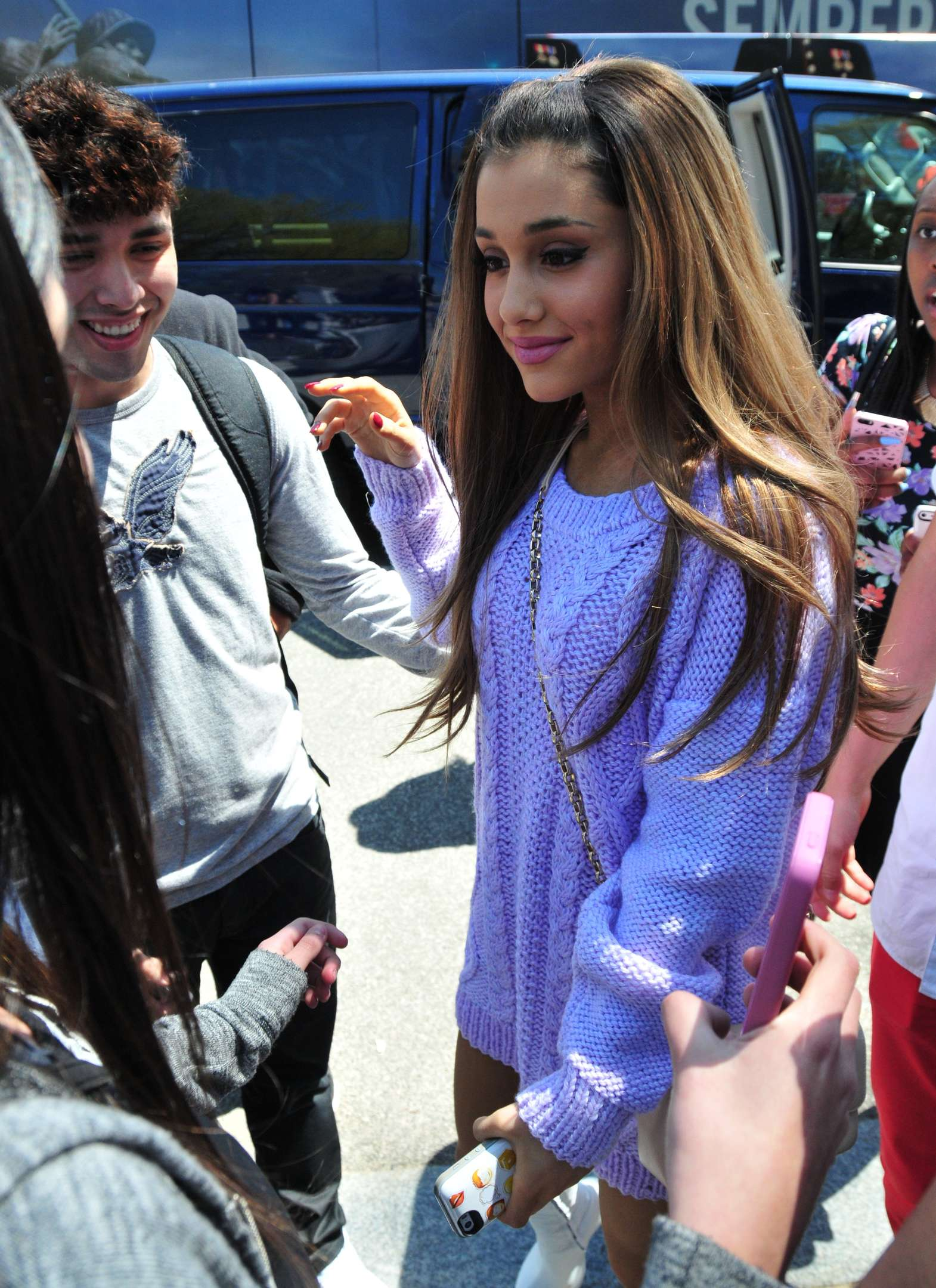 Neat Ariana 2014 House Easter Egg Roll Full Size Ariana 2014 House Easter Egg Roll Gotceleb Ariana House Manhattan Ariana House Pete Davidson curbed Ariana Grande House