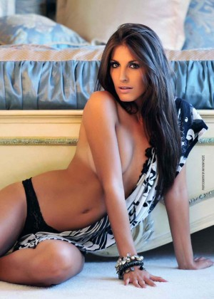Single Girl Hd Wallpaper Elena Pappas Mancave Magazine March April 2014 Gotceleb