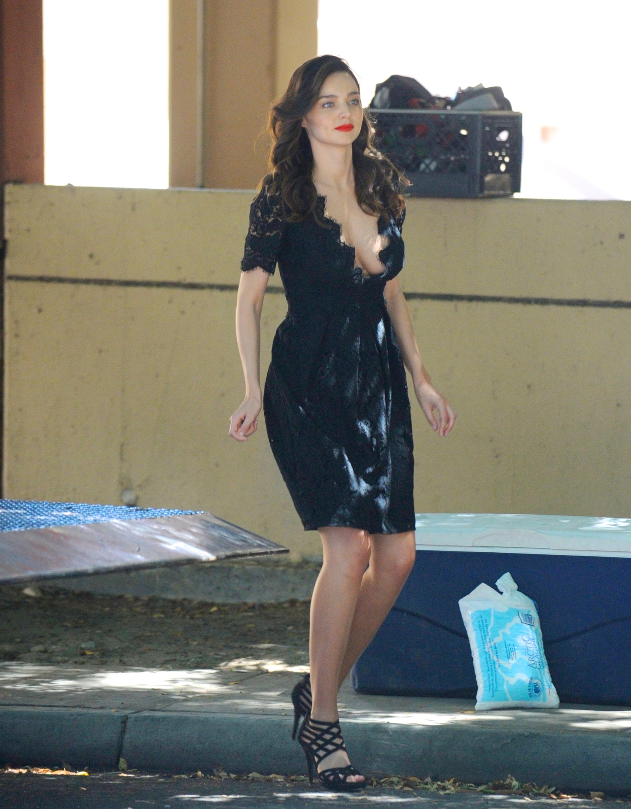 Miranda Kerr Cute Wallpapers Miranda Kerr Photoshoot In Palm Spring Candids 02 Gotceleb