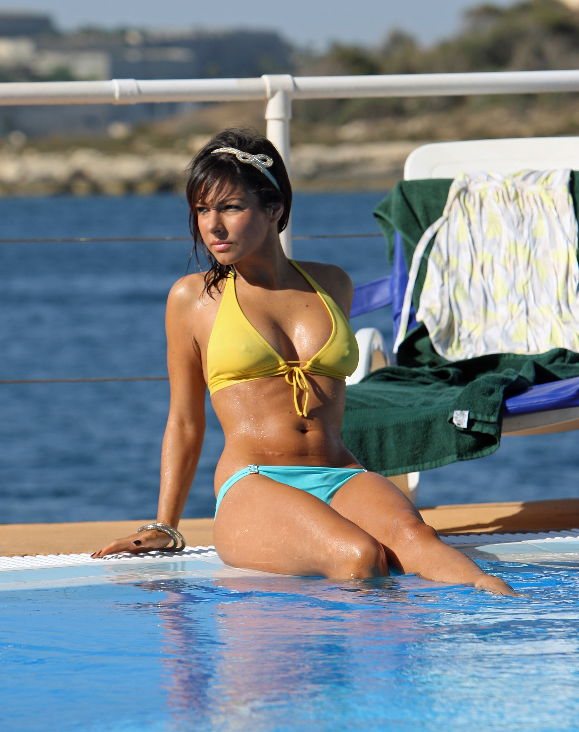 Girl Red Lips Wallpaper Roxanne Pallett Bikini Poolside Candids Oct 2010 12 Gotceleb