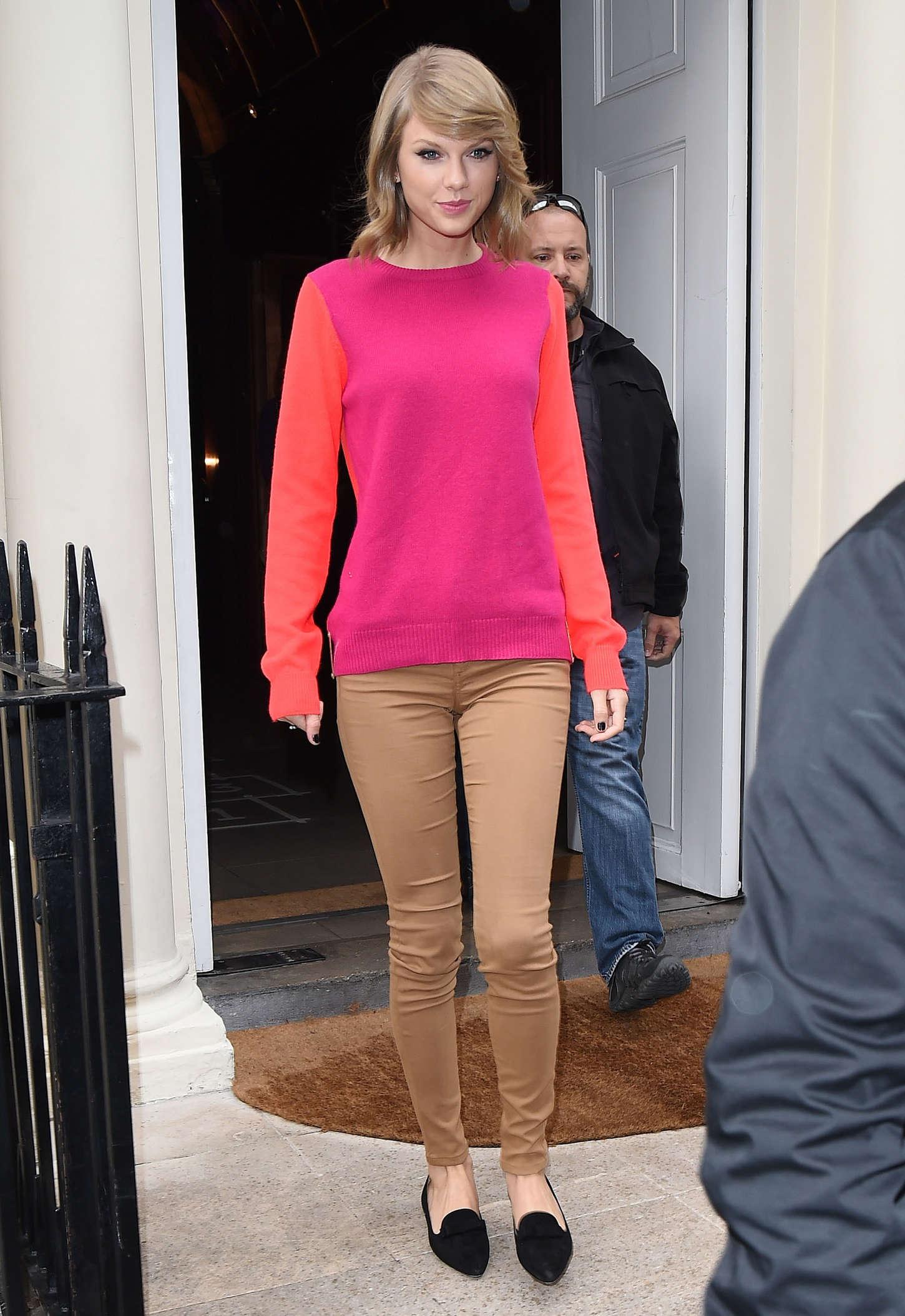 Black Swift Car Wallpapers Taylor Swift Leaving Sketch Restaurant In London
