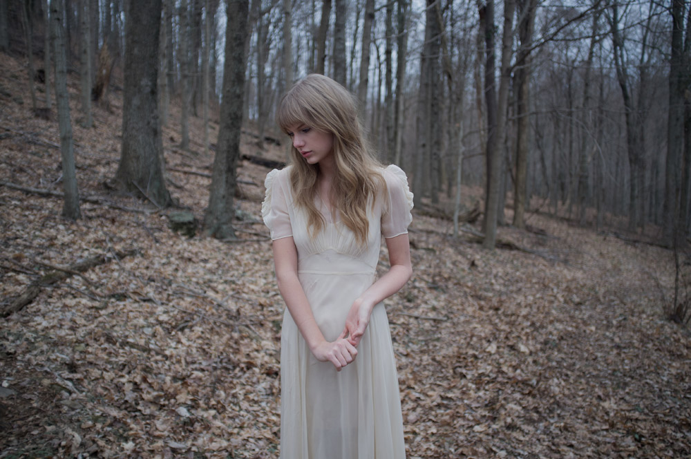 Wallpaper Zombie Girl Taylor Swift Safe And Sound Behind The Scenes 10 Gotceleb