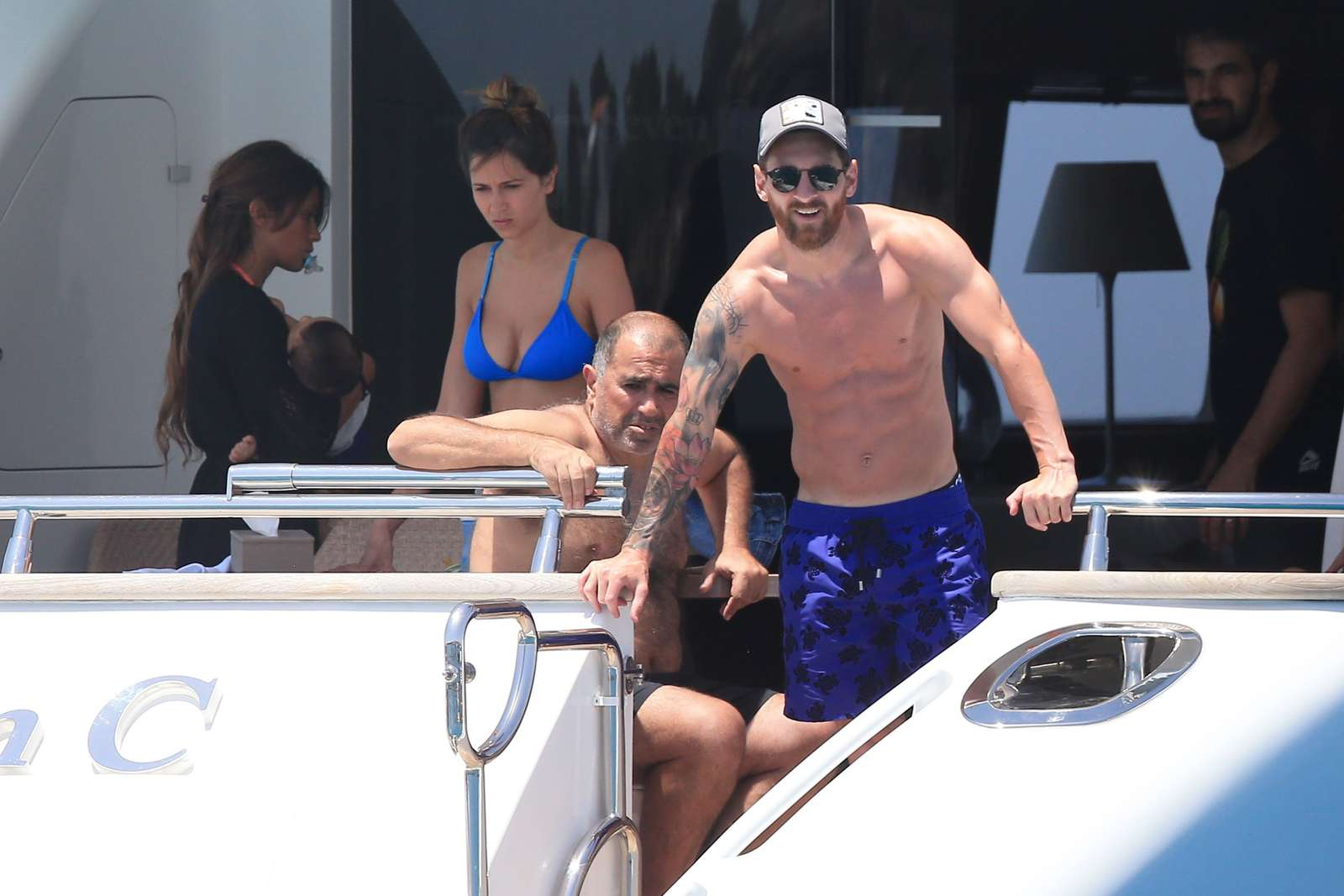 Cute Wallpapers Of Wofe Antonella Roccuzzo On Holiday In Ibiza 20 Gotceleb