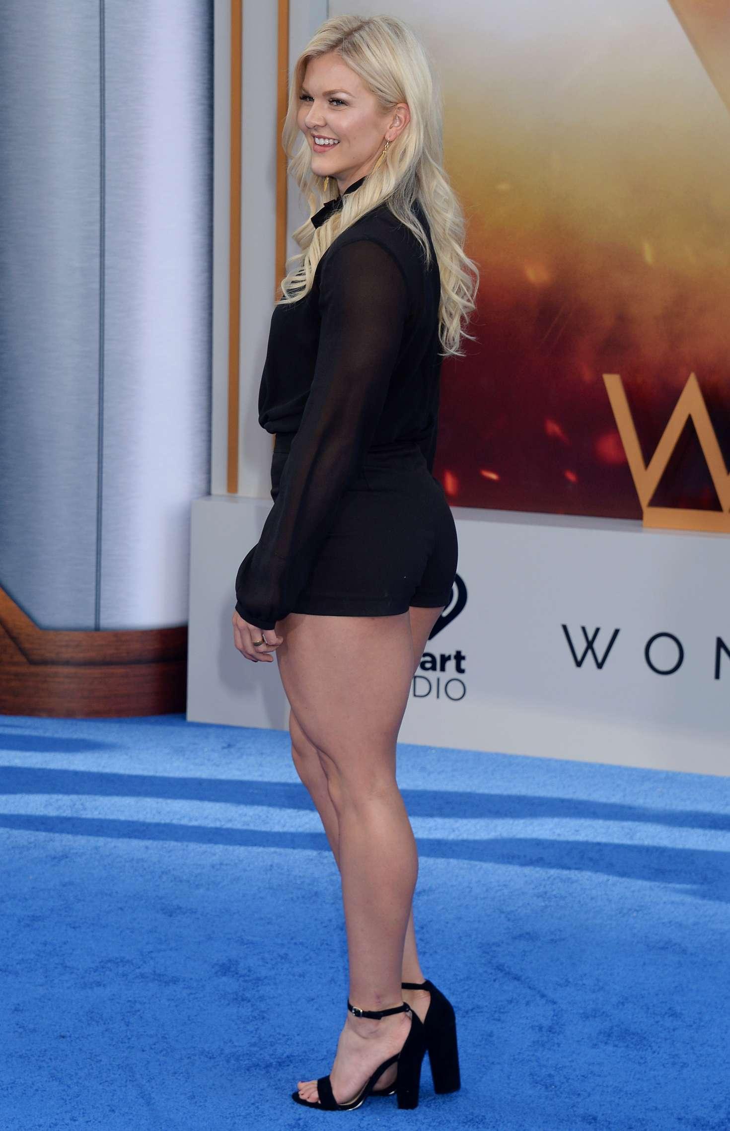 My Cute Name Wallpaper Brooke Ence Wonder Woman Premiere In Los Angeles 28