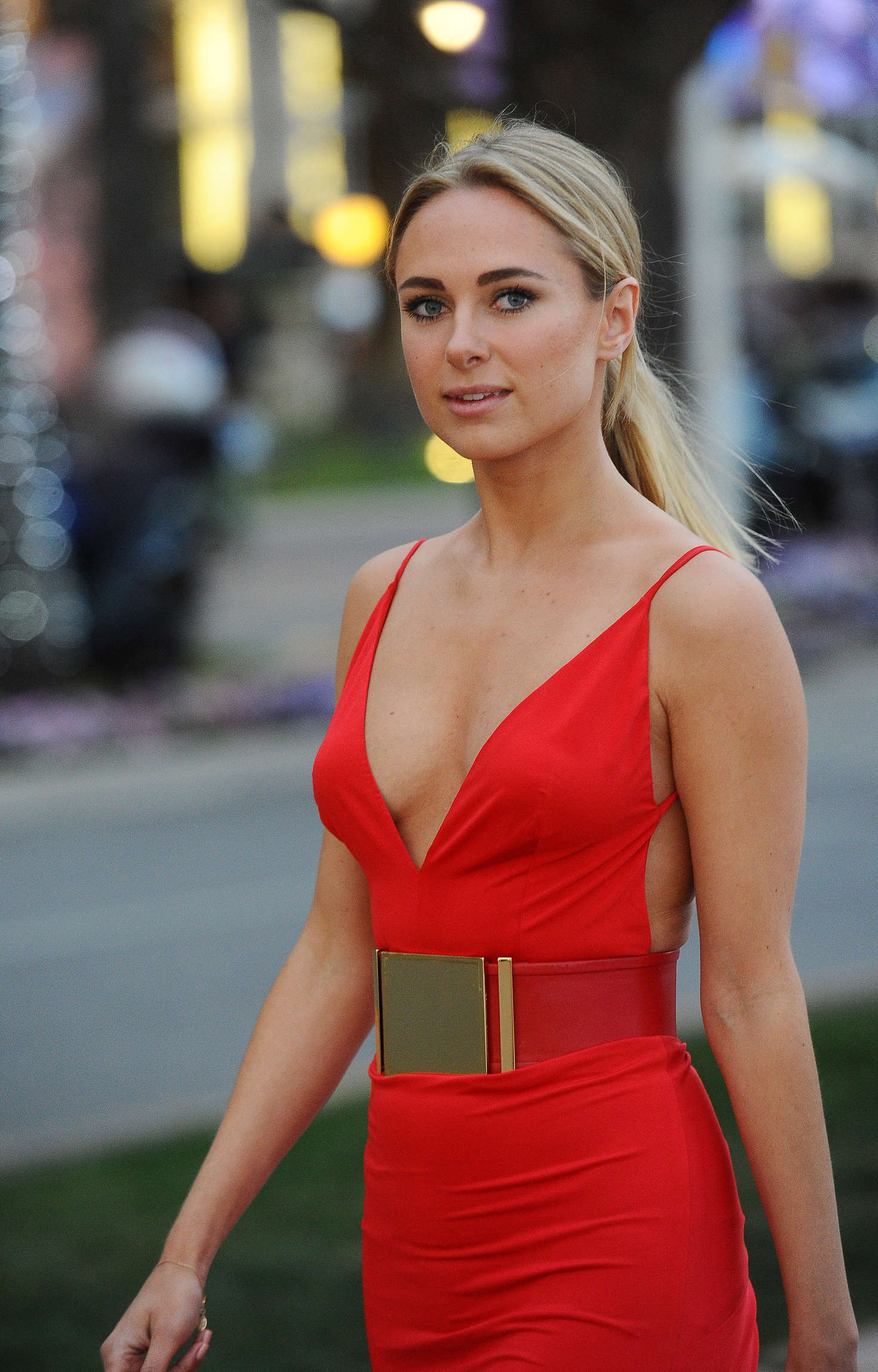 Cute Wallpapers For Tween Girls Kimberley Garner In Red Out At Plage Royale In Cannes