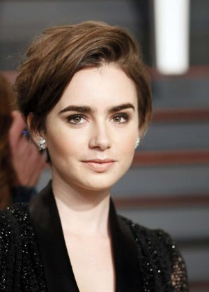 Short Hairstyle Girls Wallpapers Lily Collins 2015 Vanity Fair Oscar Party In Hollywood