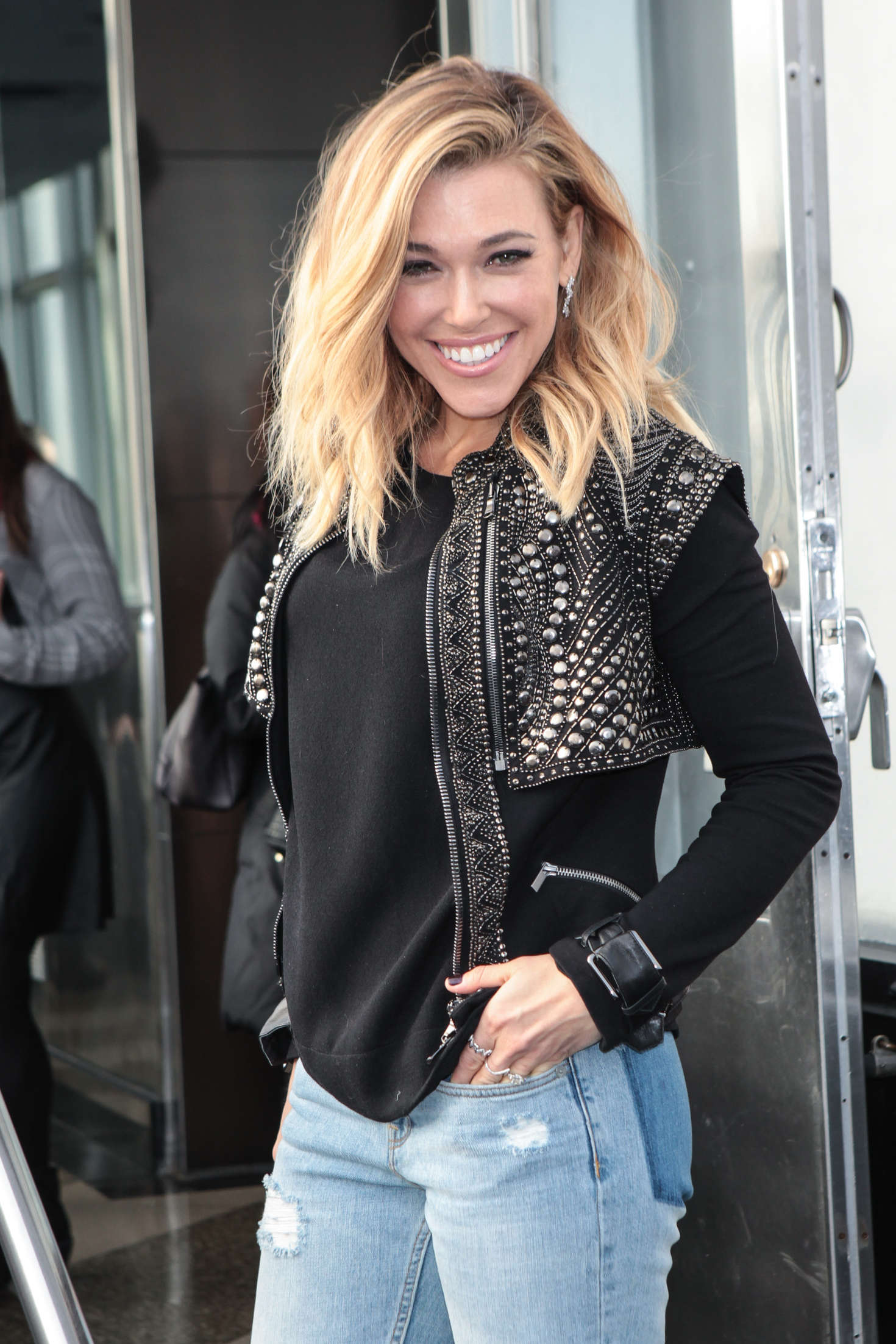 Christian Wallpaper Fall Rachel Platten Promotes Wildfire At The Empire State