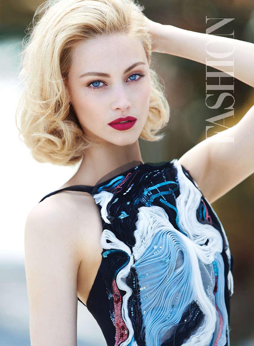 Pretty Wallpapers For Fall Sarah Gadon Fashion Magazine October 2015