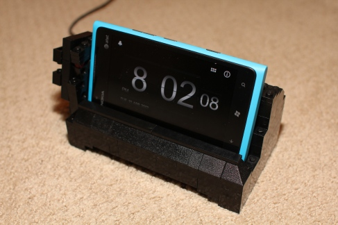 Check Out This Lumia 900 Dock Made of Legos