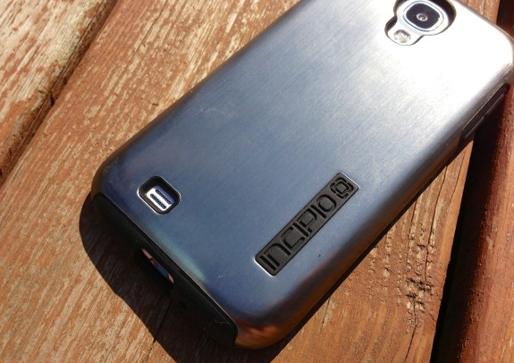 Incipio DualPro Shine Samsung Galaxy S4 Case Review - 7