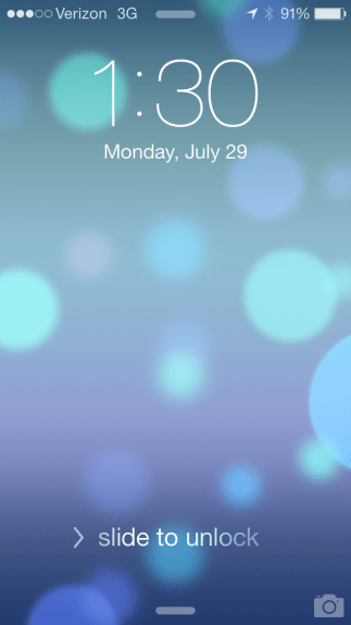 The new lockscreen in iOS 7 beta 4.