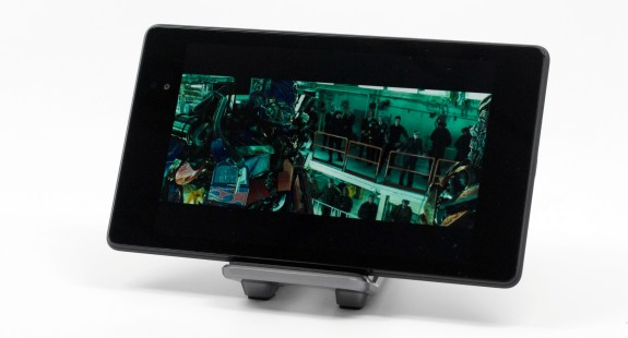 The Nexus 7 comes with a display capable of showing 1080P HD content at full resolution.