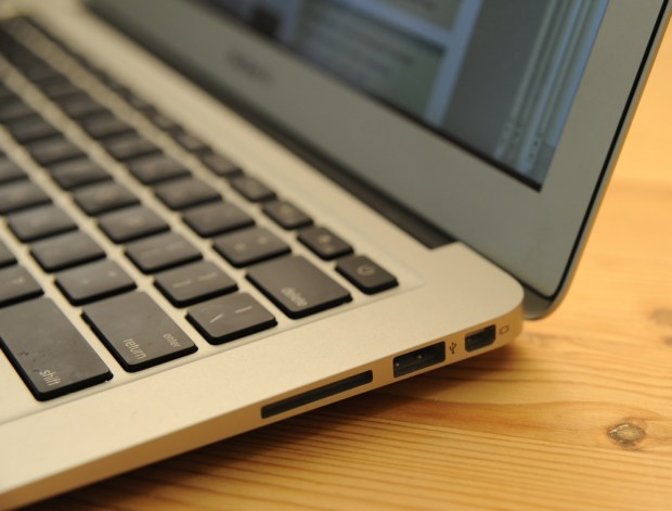 The new MacBook Air 2014 update features the same body and ports as last year's model.