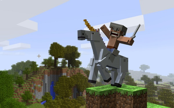 Minecraft Windows 10 & Pocket Edition To Have More Customization Via Command Blocks