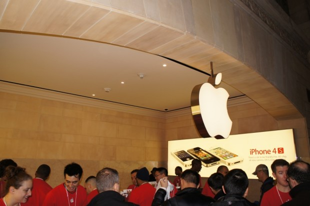 Apple Store employees don't know the iPhone 6 release date yet.