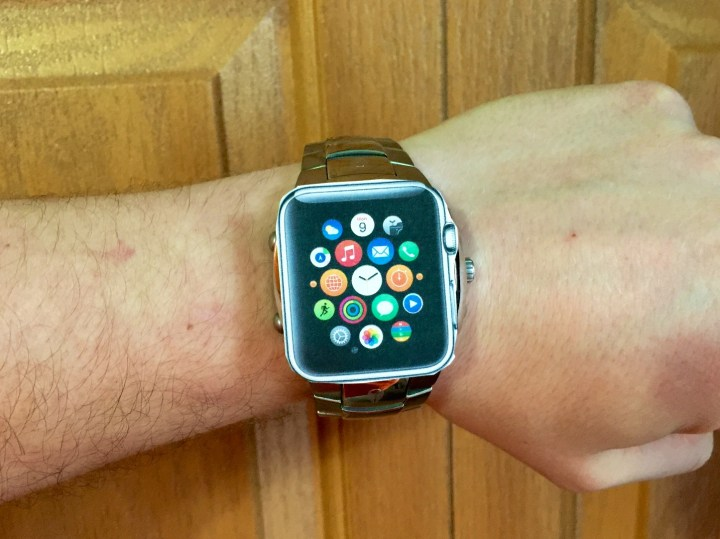 Make sure you know which Apple Watch size, model and bands you want.
