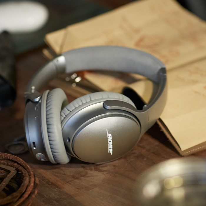 The Bose QC35 headphones promise a lightweight fit and all day comfort.