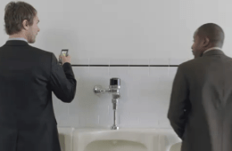 smartphone toilet use