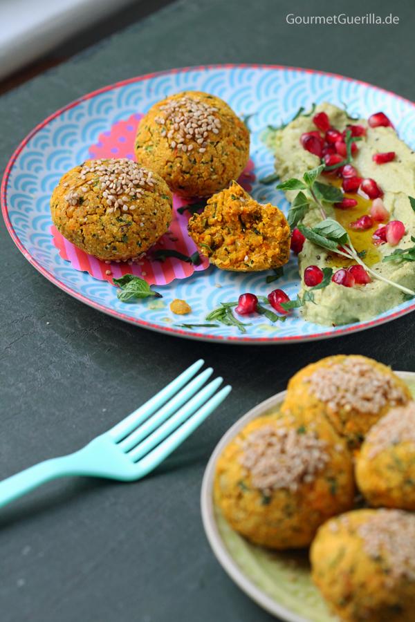 Süßkartoffel-Falafeln mit Avokado-Hummus #vegan #lowfat #rezept #gourmetguerilla