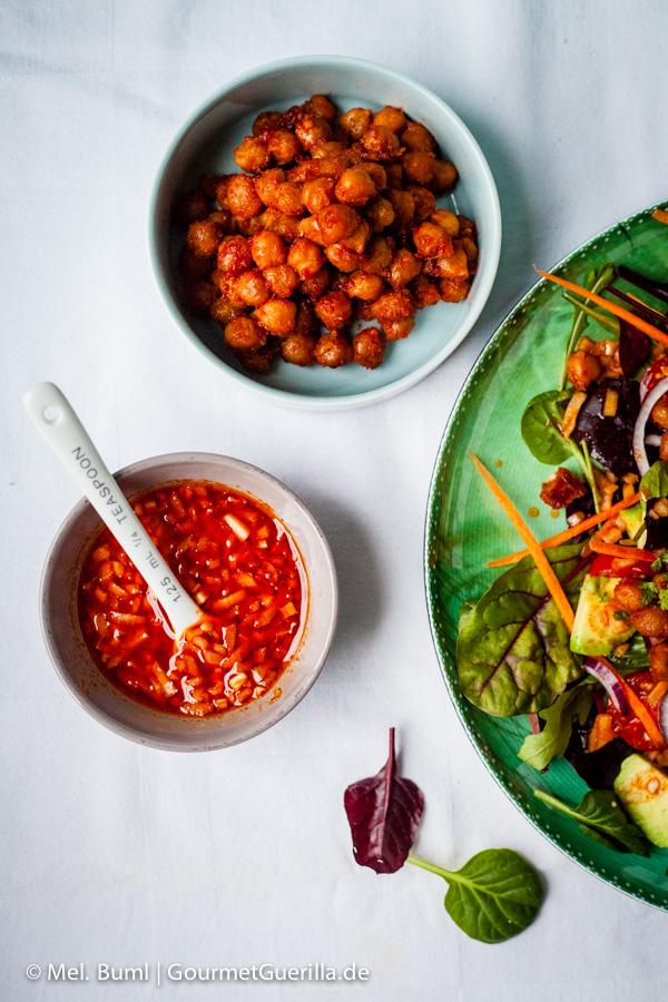Dressing Rauchiger Ponderosa BBQ-Salat. Da werden selbst Nicht-Veganer schwach #vegan |GourmetGuerilla.de