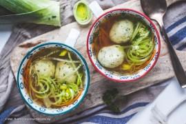Klare Suppe mit Grießklößchen |GourmetGuerilla.de