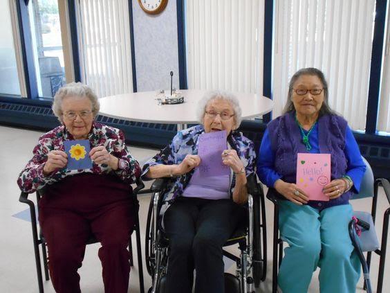 How Teen Volunteers Are Making Seniors in Nursing Homes Smile - The