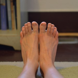 How to Build a Consistent Home Yoga Practice