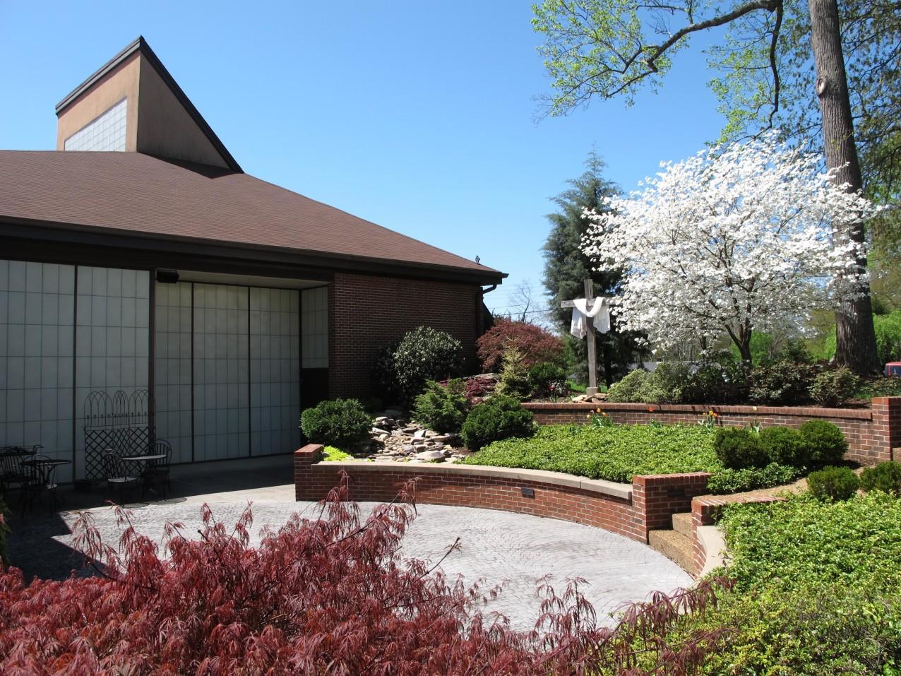 Grace Spring Patio 2